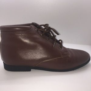 Connie Brown Leather Ankle Bootie 8.5M